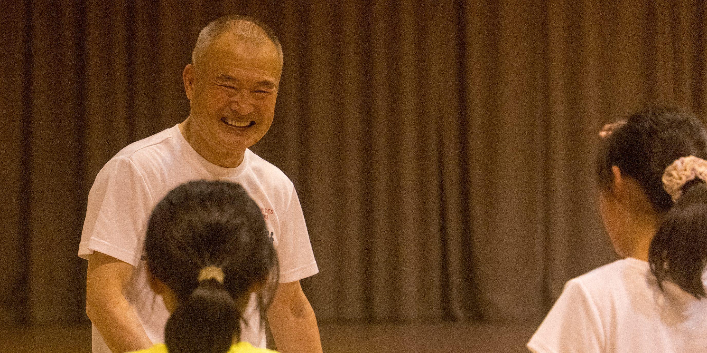 走り方を教えている廣井さん