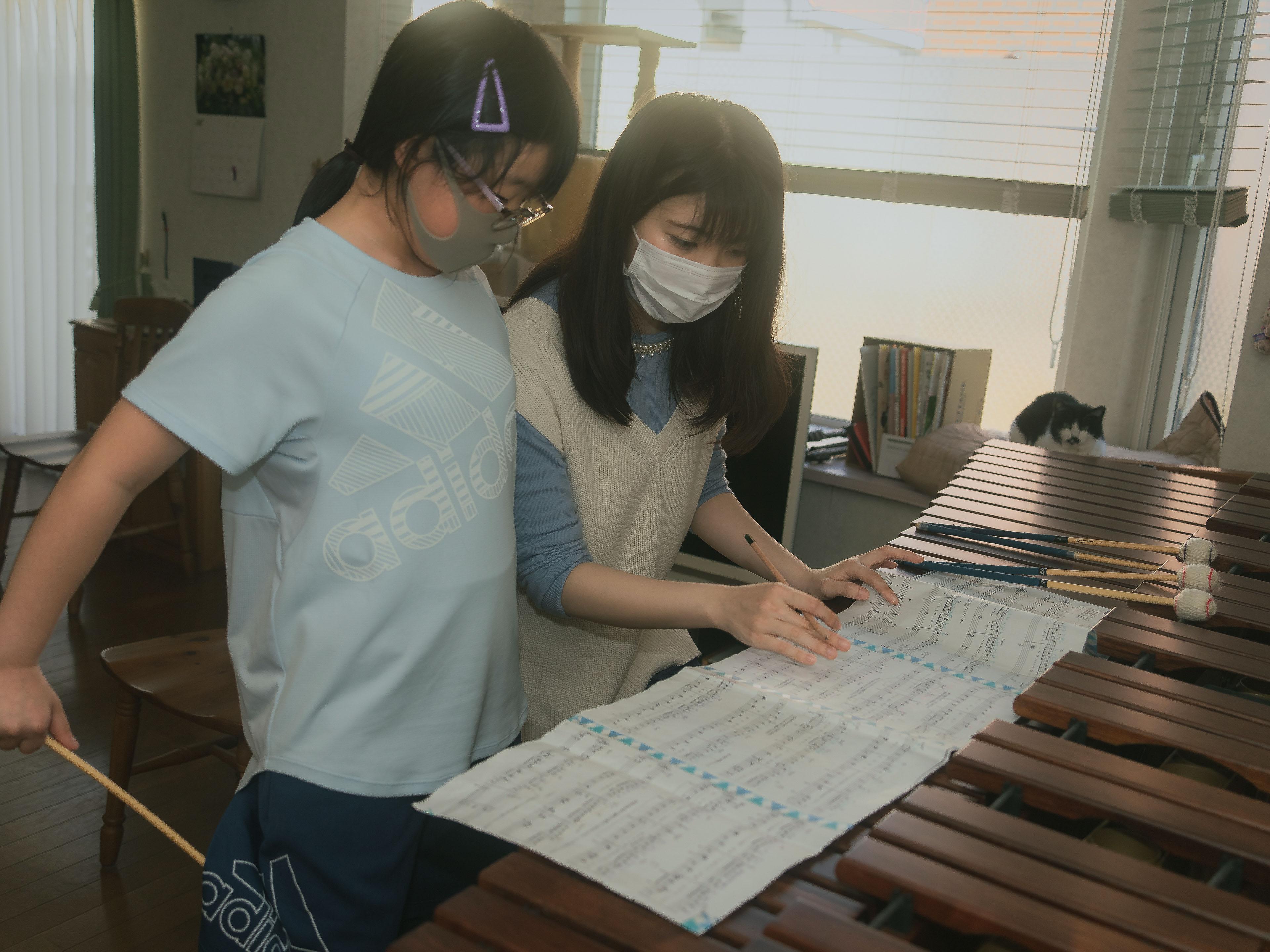 楽譜で打ち方を習う